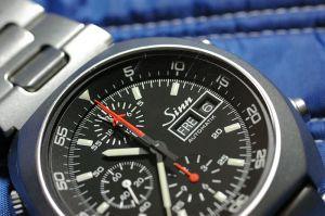 修理代が約\56,000なので、安い機械式腕時計が1つ買えます