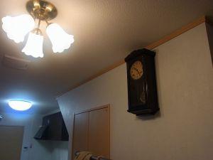 ゼンマイ式の掛け時計