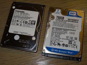 外したHDDと換装するSSHD