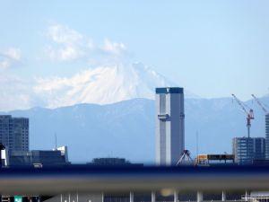 コミケ会場から見える富士山-2